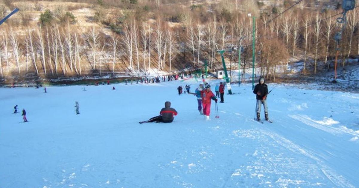 193e73ed2fc6 ... голову сноубордисту или лыжнику при вопросе «где покататься на сноуборде  в Харькове». Одно из главных преимуществ комплекса – это его  месторасположение.
