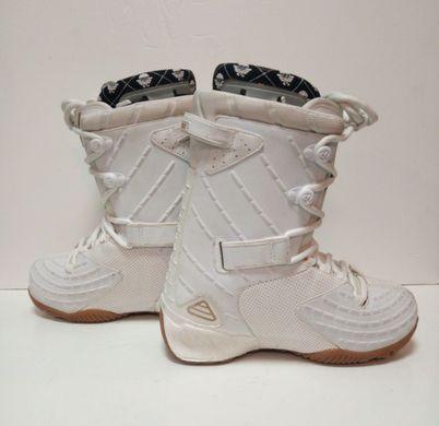 69213a1d75df Ботинки для сноуборда Thirtytwo Vela (размер 37) Colour  white ...