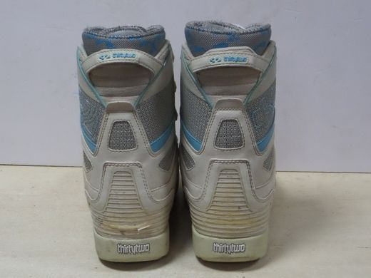 17a6789305f0 Ботинки для сноуборда Thirtytwo Kids (размер 37,5) - купить по ...